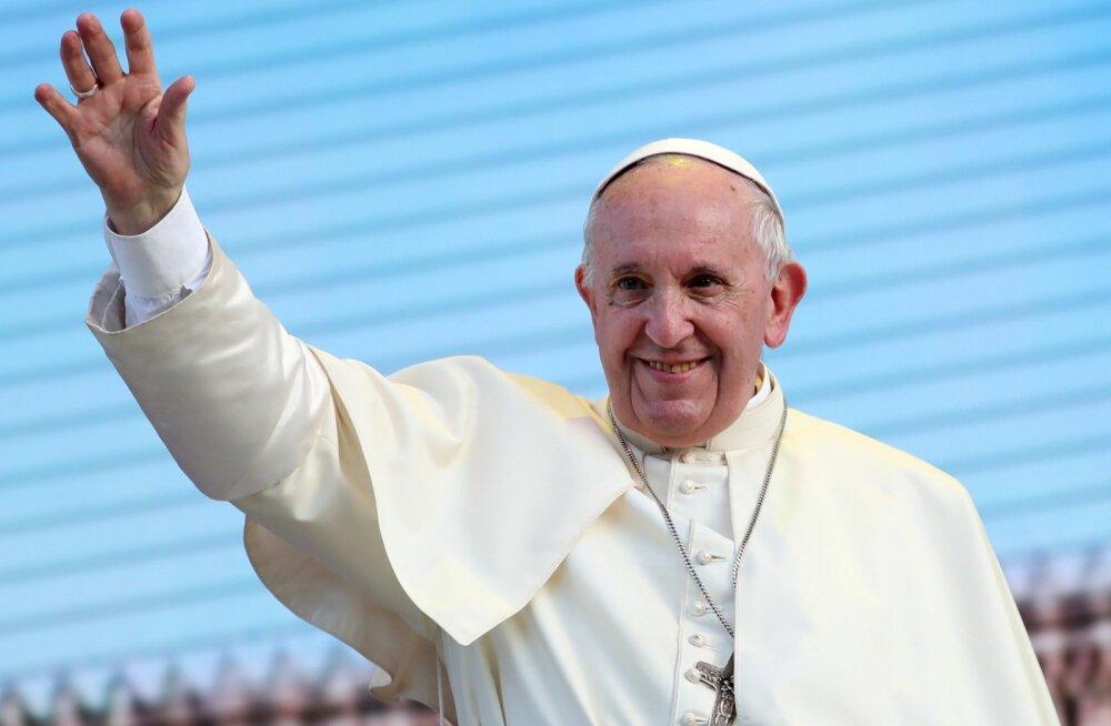 Paavst Sitsiilias Palermos tänavu 15. septembril