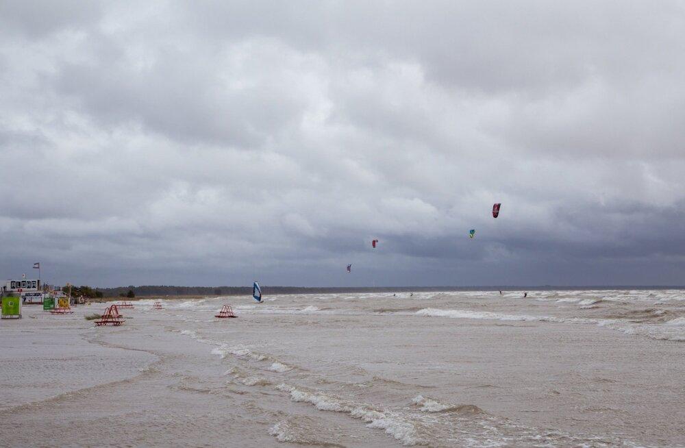 Tormine Pärnu rand