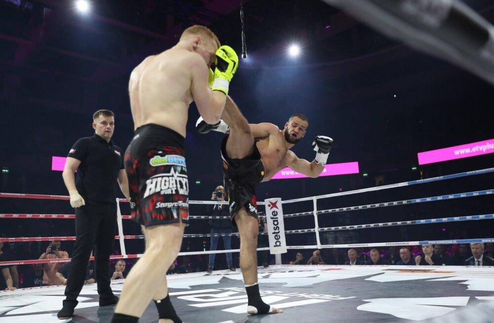 ФОТО и ВИДЕО: Воровский разобрался с поляком в первом раунде