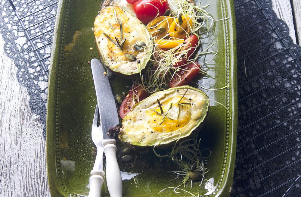 Lia Virkus soovitab suvepuhkuse hommikusöögiks: küpsetatud avokaadod