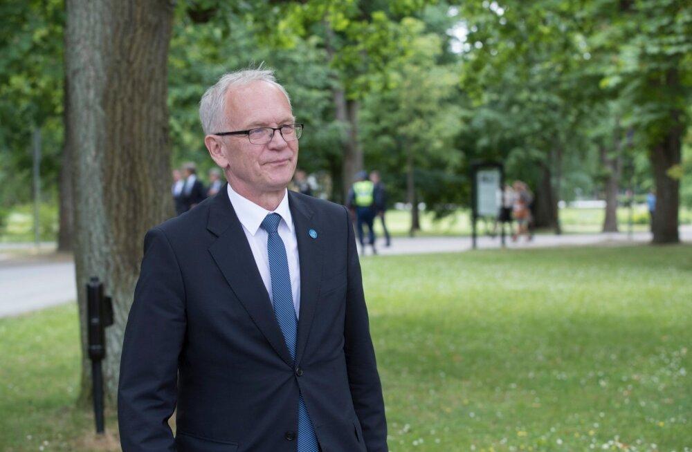 Eiki Nestor: Eestis elades on suur privileeg, et riigikogu esimees saab liikuda ilma turvameesteta ja pidudel plaatide mängimine ei ehmata kedagi ära