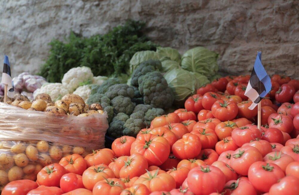 Äsja avatud Balti jaama turul saab toidukraami odavamalt kui mujalt