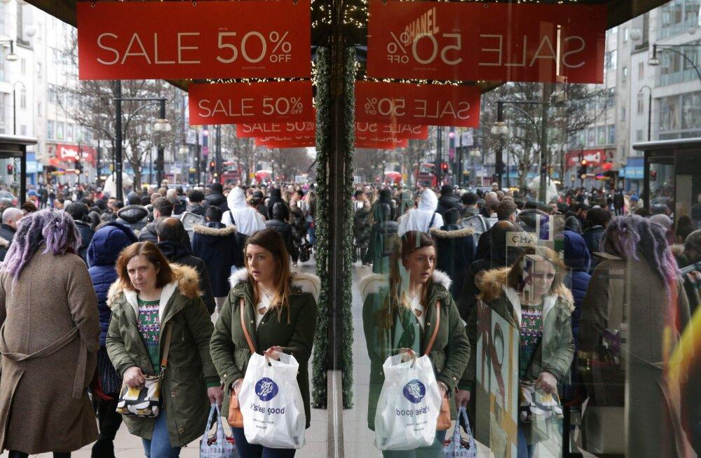 Ameeriklased panid jõuluperioodil magama uskumatu rahasumma