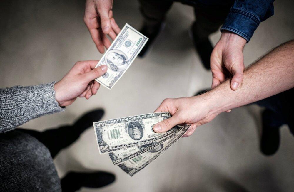Käed ja raha