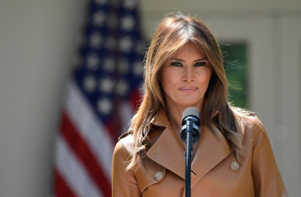 Melania Trump taaskasutas oma uue kampaania jaoks Obama-aegset bukletti