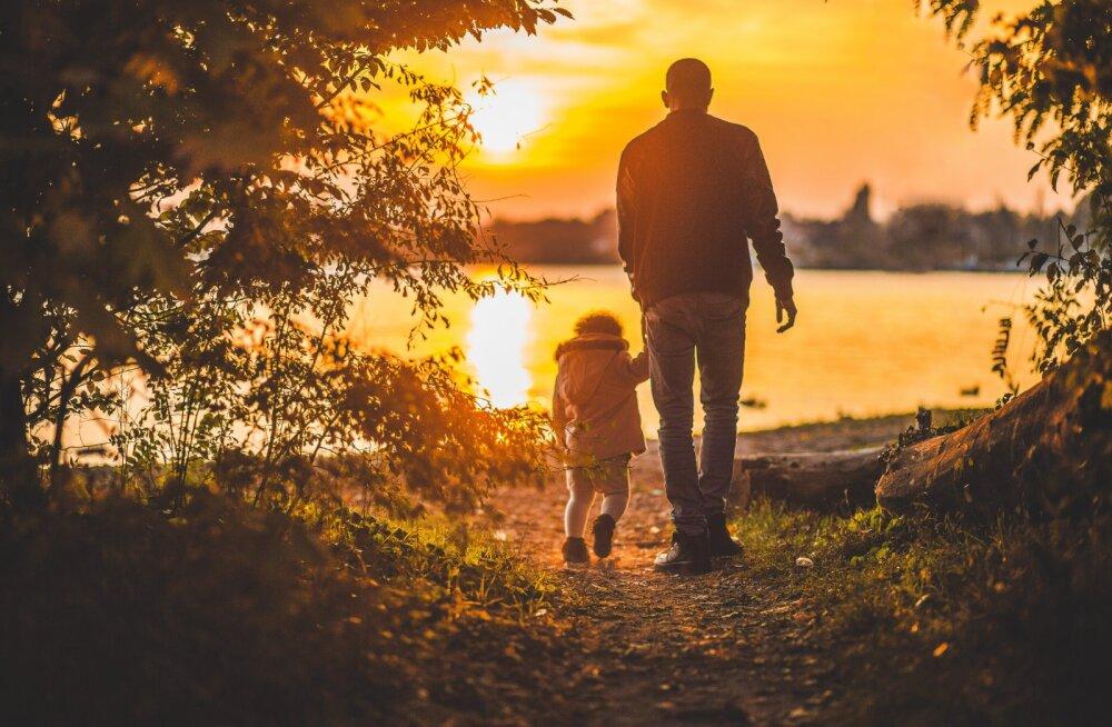 Isa pihib: kuidas mu kallist tütrest ema rahamasin sai
