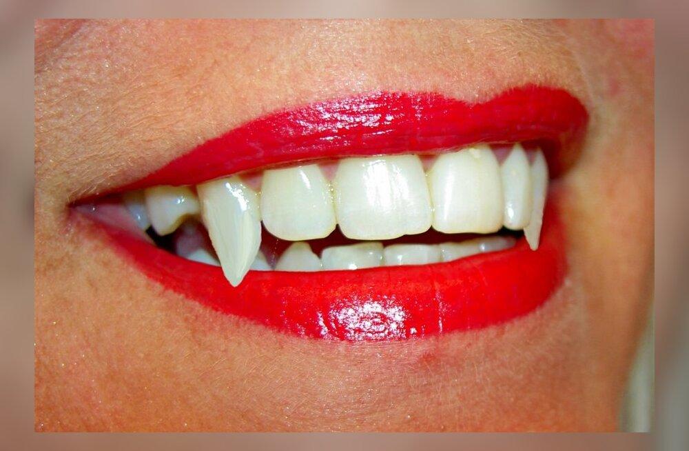 Как сделать клыки вампира в домашних условиях