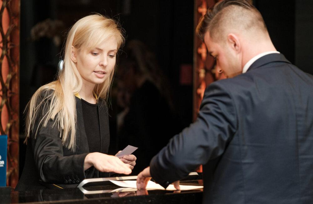 EKSPERIMENT | Milline on hotelliadministraatori töö igapäev? Liina Randpere ja Piret Järvis-Milder proovisid järele!
