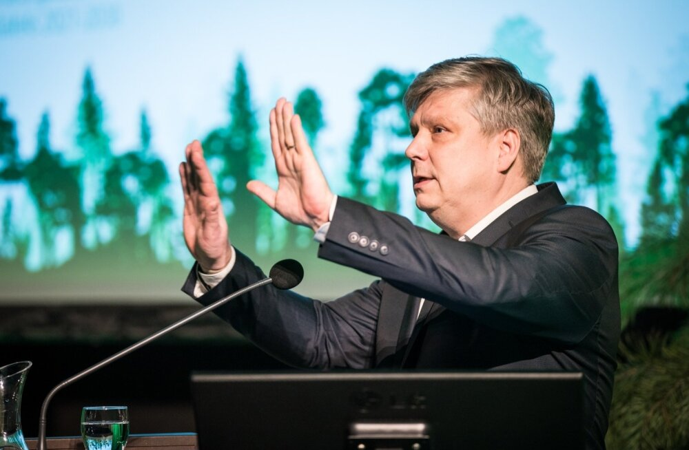 Keskkonnaminister Siim Kiisler metsanduse arengukava 2021-2030 koostamise avaüritusel.
