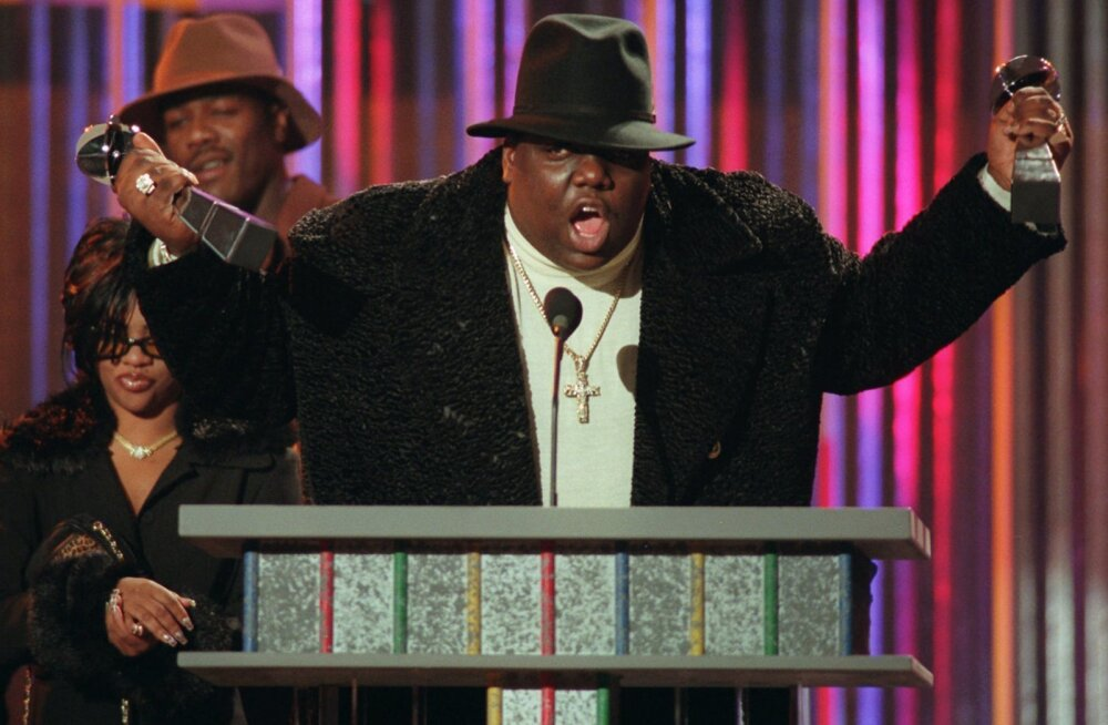 Notorious B.I.G. võtmas 1995. aastal vastu parima räppari ja parima räpisingli auhindu. Tegemist on Billboardi muusikaauhindadega.