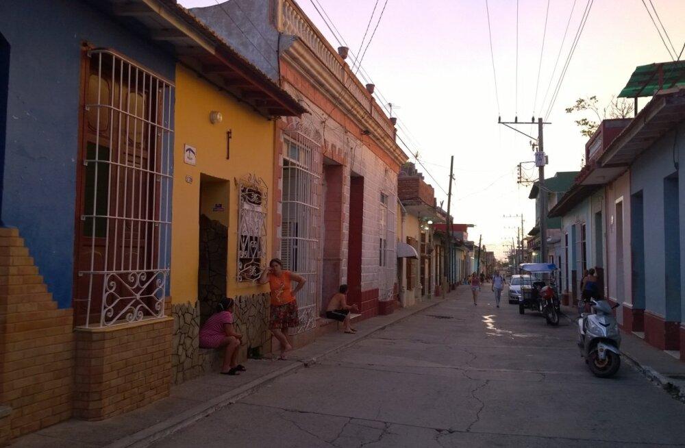 MAALILINE KOLONIAALSTIIL: Trinidadi tänavad sobival uitamiseks romantikutele.