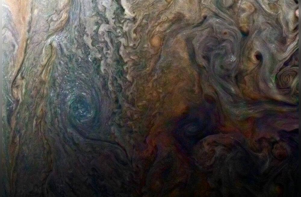 Jupiteri ümber tiirleva tehiskaaslase Juno andmed viitavad üsna suurtele üllatustele