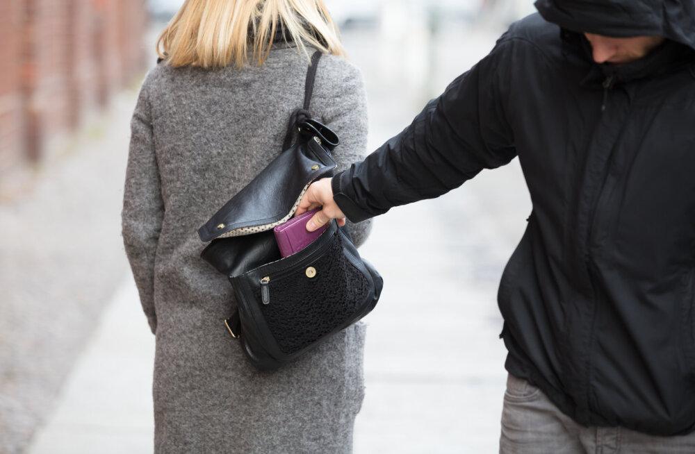Ära lase end paljaks röövida! 10 lihtsat nippi, kuidas reisil olles taskuvaraste käest pääseda