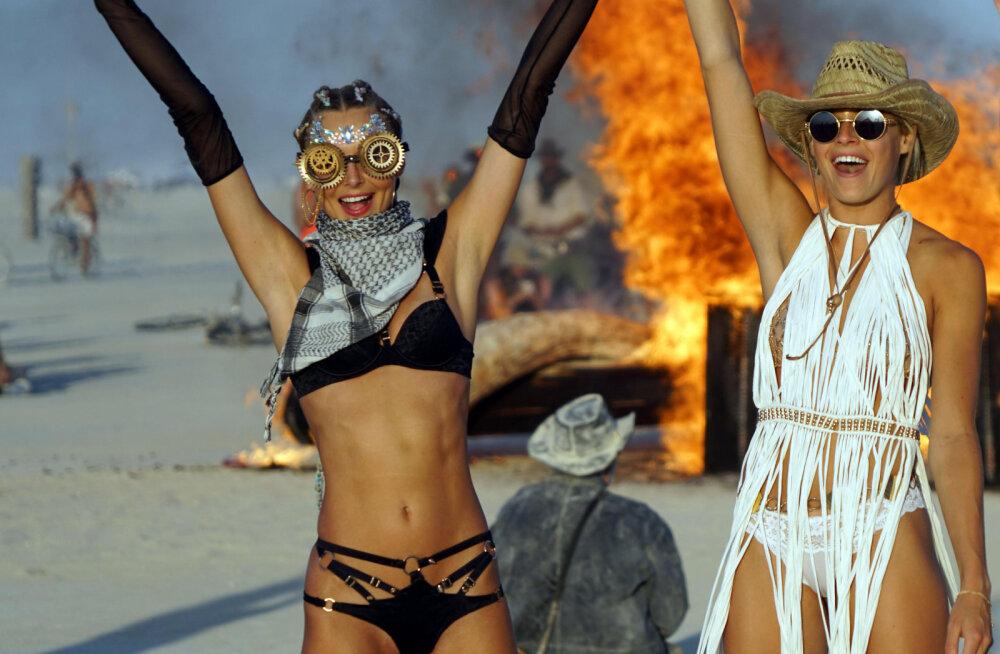 Burning Man: самый известный в мире фестиваль безумств собрал звезд в пустыне Невады
