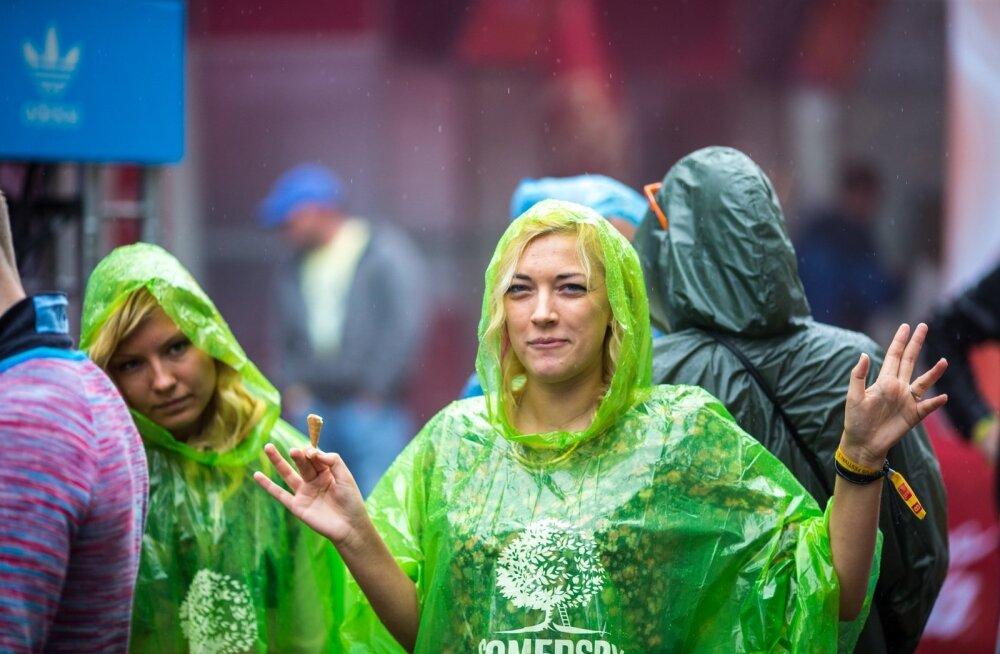 PANE VAIM VALMIS | Põhjalik juhend, kuidas Positivus festivalil ellu jääda ja pidu rõõmsalt nautida
