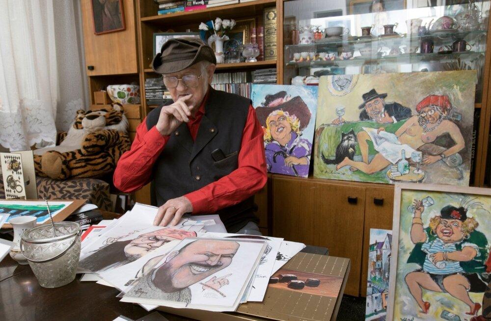 Šarž ei ole Hugo Hiibuse sõnul normaalne joonistamine, vaid üks keeruline asi. Oma tööde keskel tunneb vanameister end hästi.