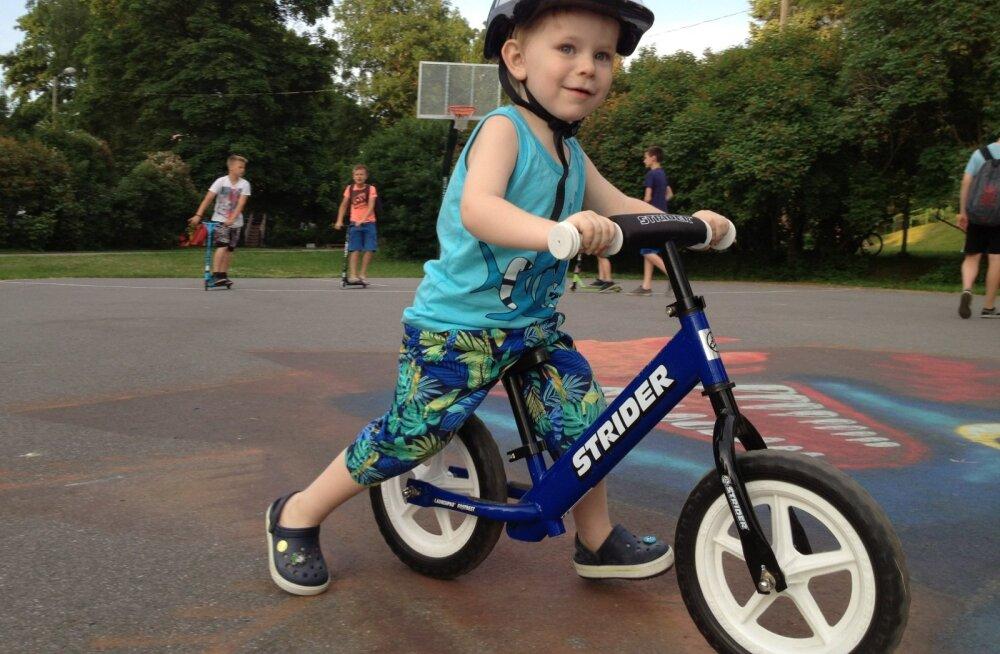 Miks valida lapsele jooksuratas? Strider