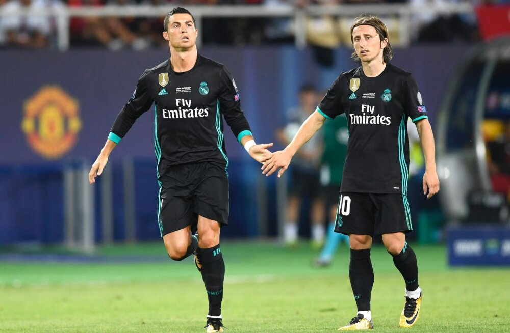 FIFA avaldas kolm jalgpallurit, kes kandideerivad aasta parima mängija auhinnale, Messi nimekirjast väljas