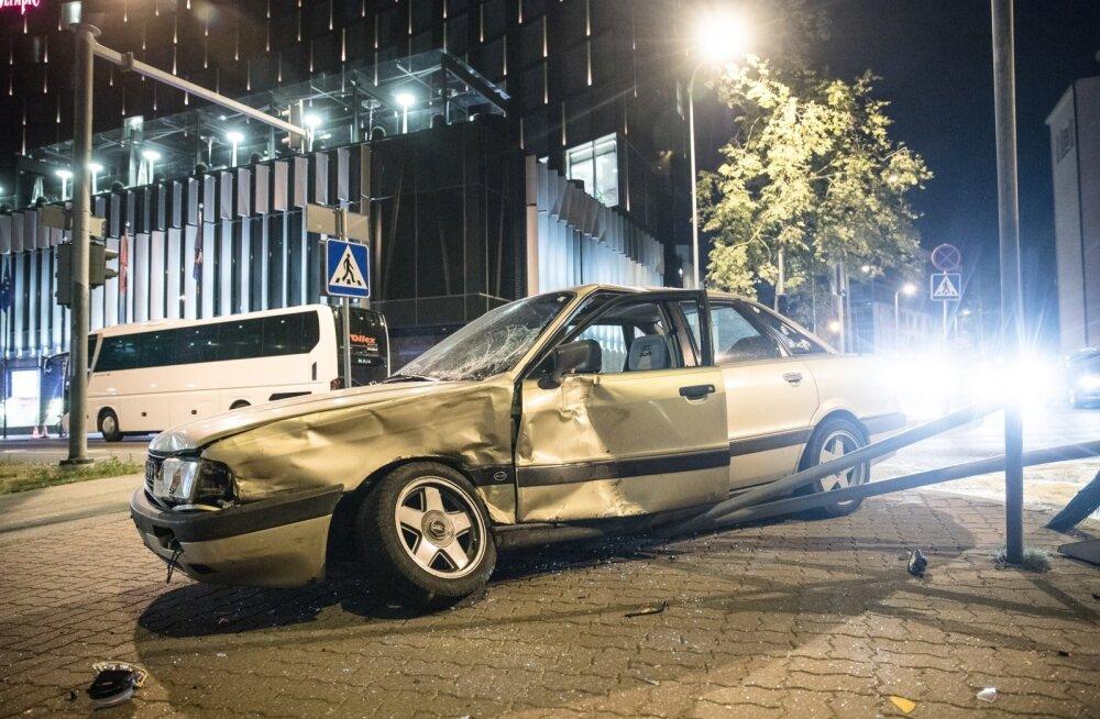 ERR auto põhjustas Kreutzwaldi tn avarii