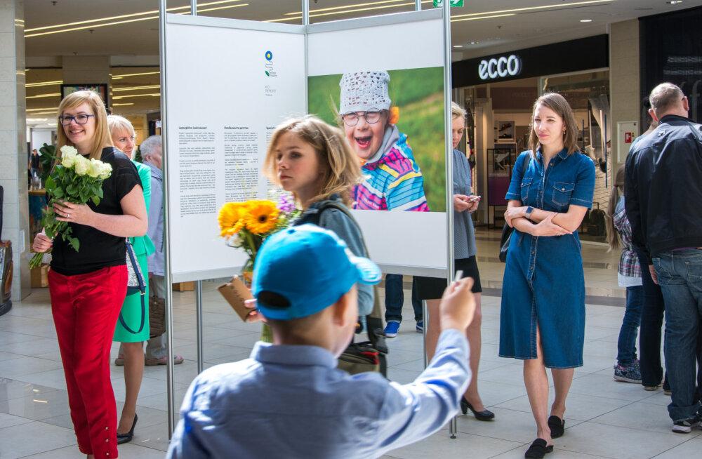 """ФОТО: В """"Кристийне"""" открылась фотовыставка """"Особенности детства"""""""