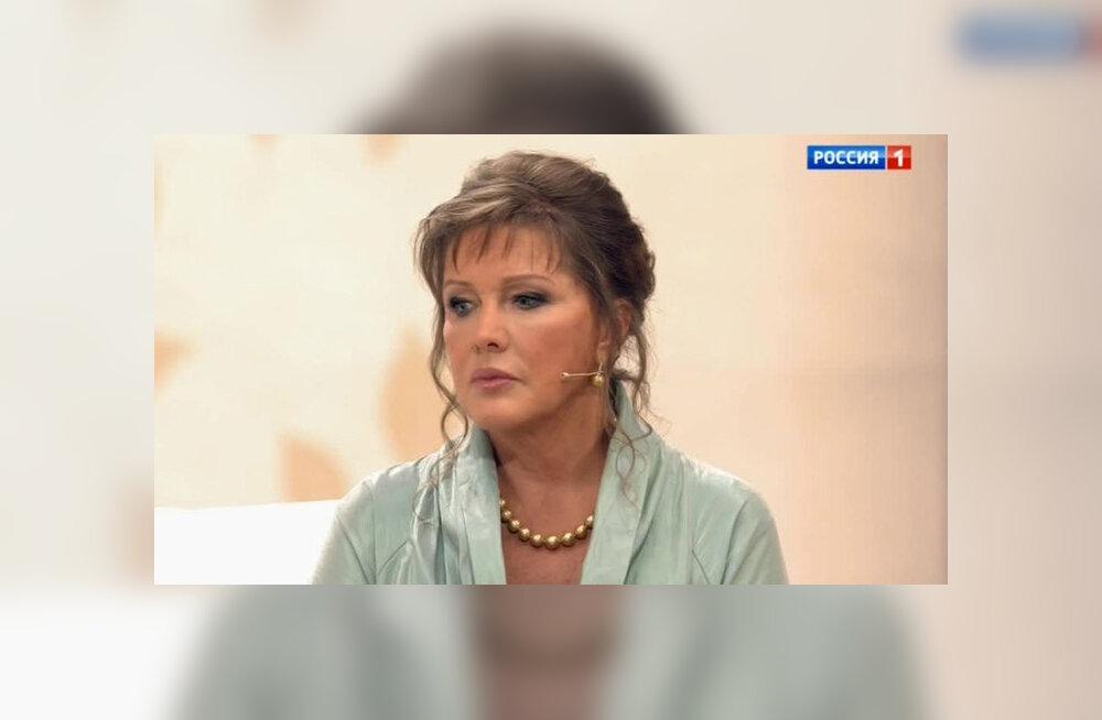 Актриса Елена Проклова объяснила, почему три года не общалась с дочерью