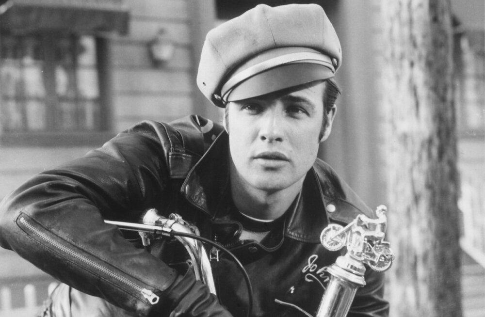 Marlon Brando ''The Wild One'' (1953) võtetel.