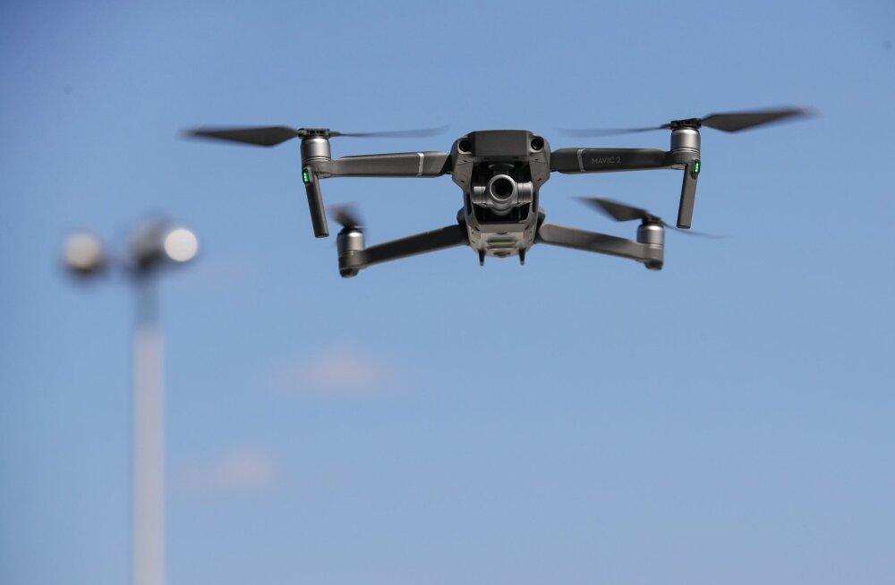 Droon suudab toimetada üle piiri vähemalt sama koguse salasigarette kui inimene.