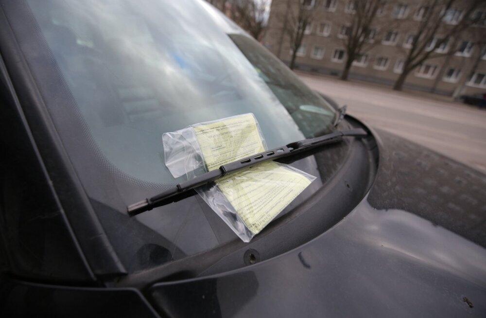 Eestlased saavad Helsingis 10 000 parkimistrahvi aastas, kuid maksavad neist ära vaid väikese osa