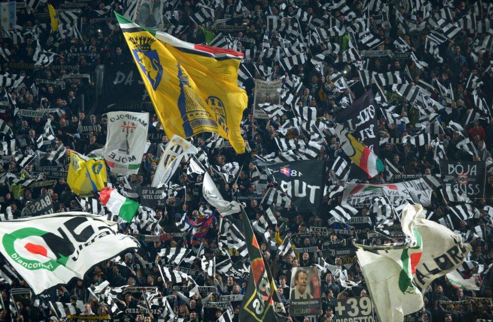FOTO   AC Milani buss sattus Juventuse ultrate rünnaku ohvriks