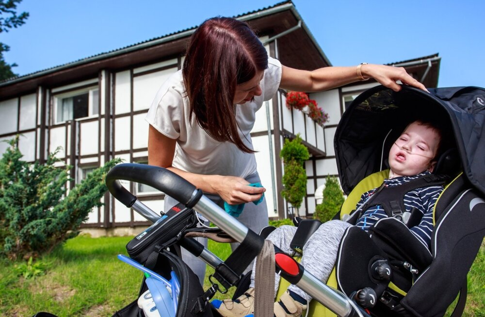 Pärnakas Grete Luige hooldab poeg Mirkot, kes vajab peale hapnikuaparaadi ka aspiraatorit, mida nad igal pool kaasas kannavad. Selle hankimisest kujunes perele suuremat sorti epopöa.