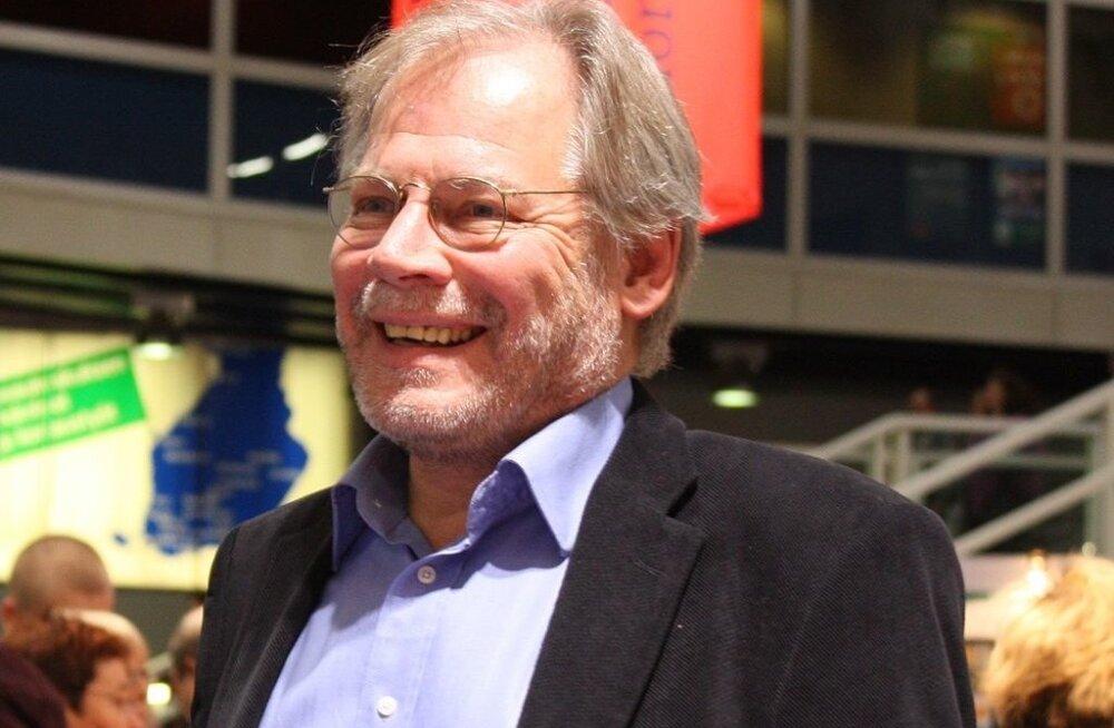Lauri Törhönen sunniti 2006. aastal skandaaliga Aalto ülikoolist lahkuma, teda süüdistati juhtimisvigades.