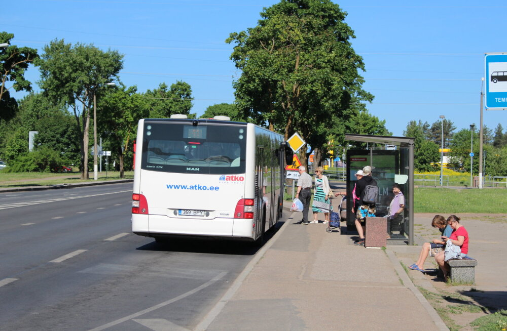 """Бесплатные уездные автобусы: """"мяч"""" в руках шоссейного департамента"""