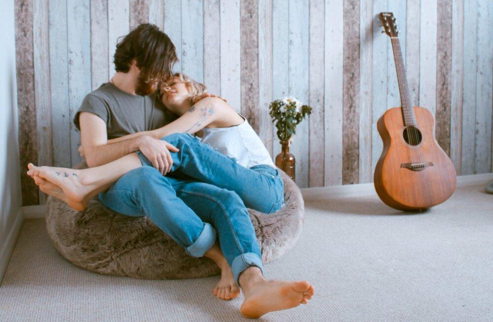 Tekita tuju 5 minutiga: kuidas pärast väsitavat päeva ka voodielu jaoks energiat leida?