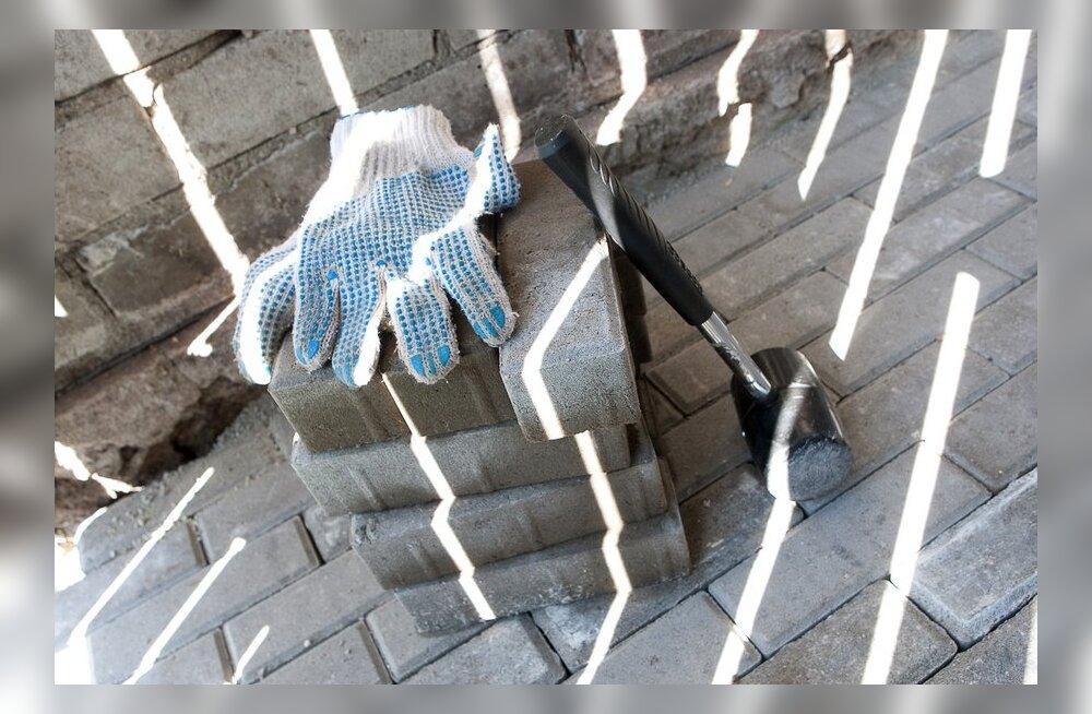 Ebaseaduslikust ehitamisest Põlva linnas
