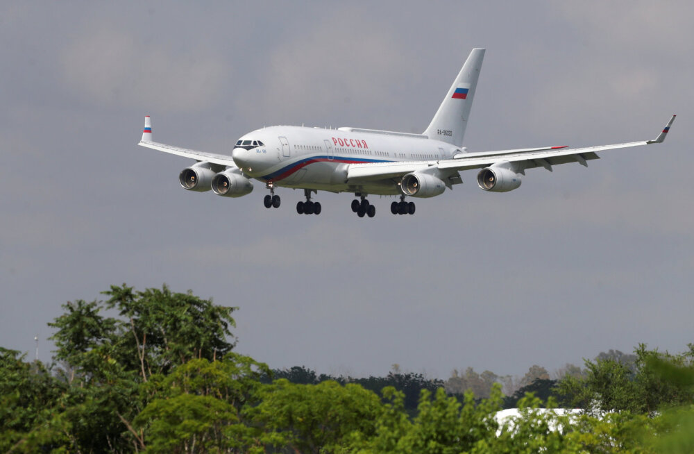 """Seda ei näe igapäev. Vaata kuidas näeb välja Putini eralennuk """"lendav Kreml"""" seestpoolt. Isegi WC-potikaas on kullaga kaetud"""
