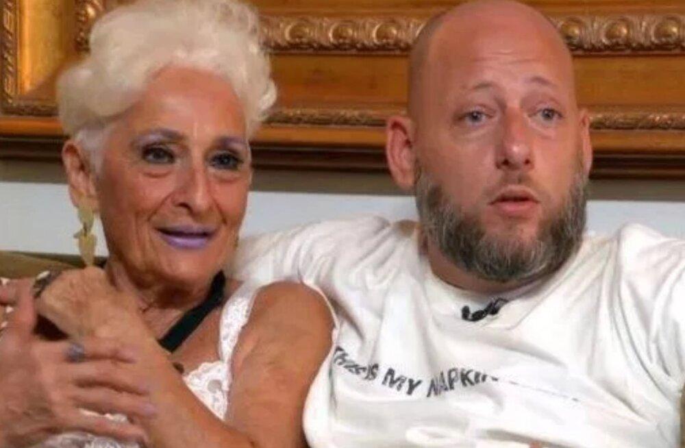 Internetis lööb laineid seksikas 82-aastane memm, kes oma 39-aastase peikaga õpetab vanemaid inimesi vahekorraks valmistuma