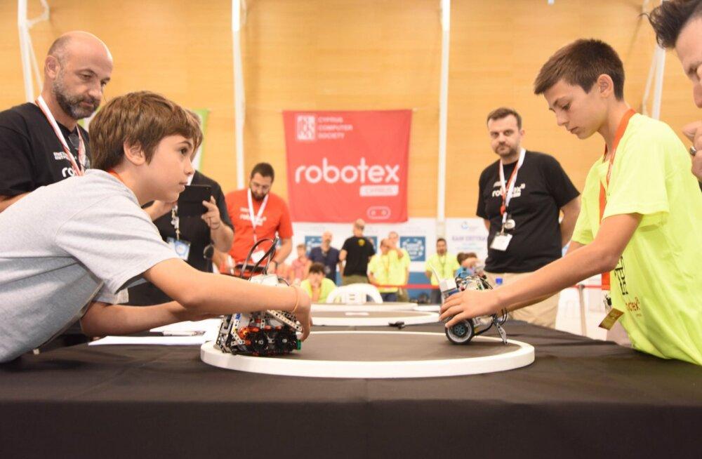 Andmeteadlased üle maailma analüüsivad Robotexil Youtube'i abil Eesti netivõrkude võimekust