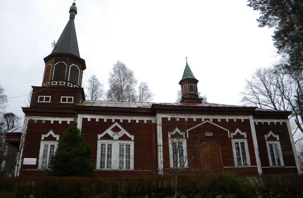 ФОТО читателя Delfi: Как в Селисте церковь восстанавливали