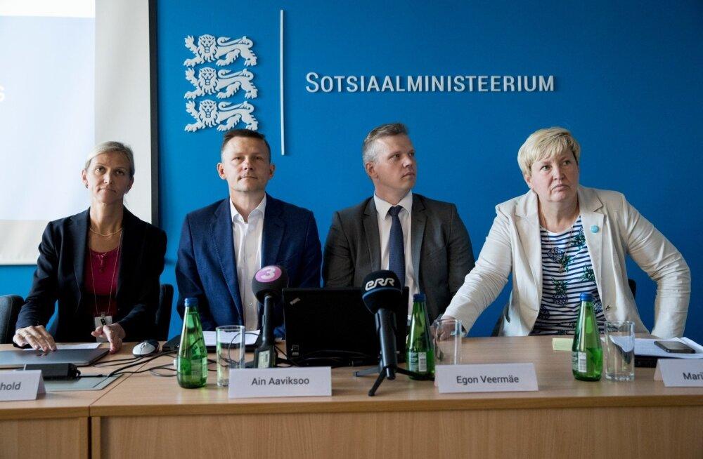 Kuidas nurjus SKAIS2? Sotsiaalministeeriumi pressikonverentsil selgitavad toimunut Katrin Reinhold, Ain Aaviksoo, Egon Veermäe ja Marika Priske.
