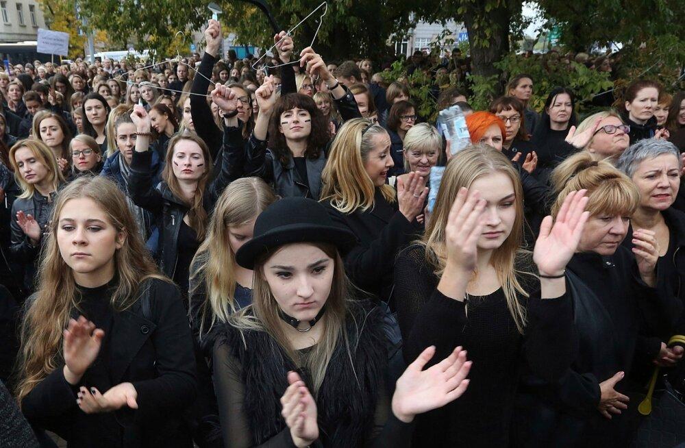 Meeleavaldus Varssavis