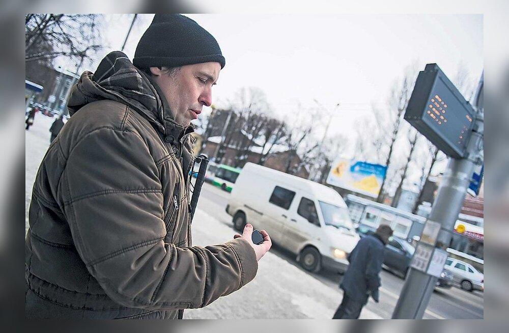 Bussipeatuste uued tablood oskavad pimedatega rääkida