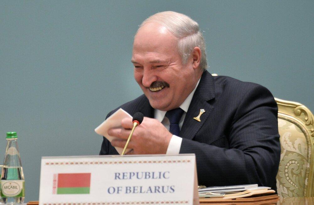 Лукашенко засветился на новом Maybach