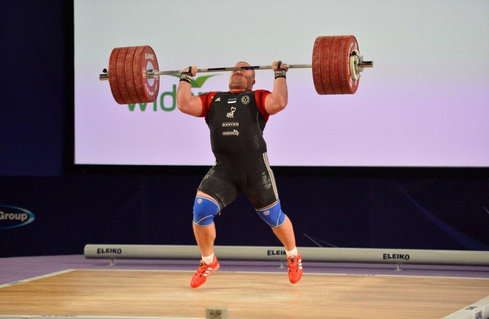 Tõukamises Eesti rekordi 253 kiloni viinud Mart Seimile võis isegi natuke varu jääda.