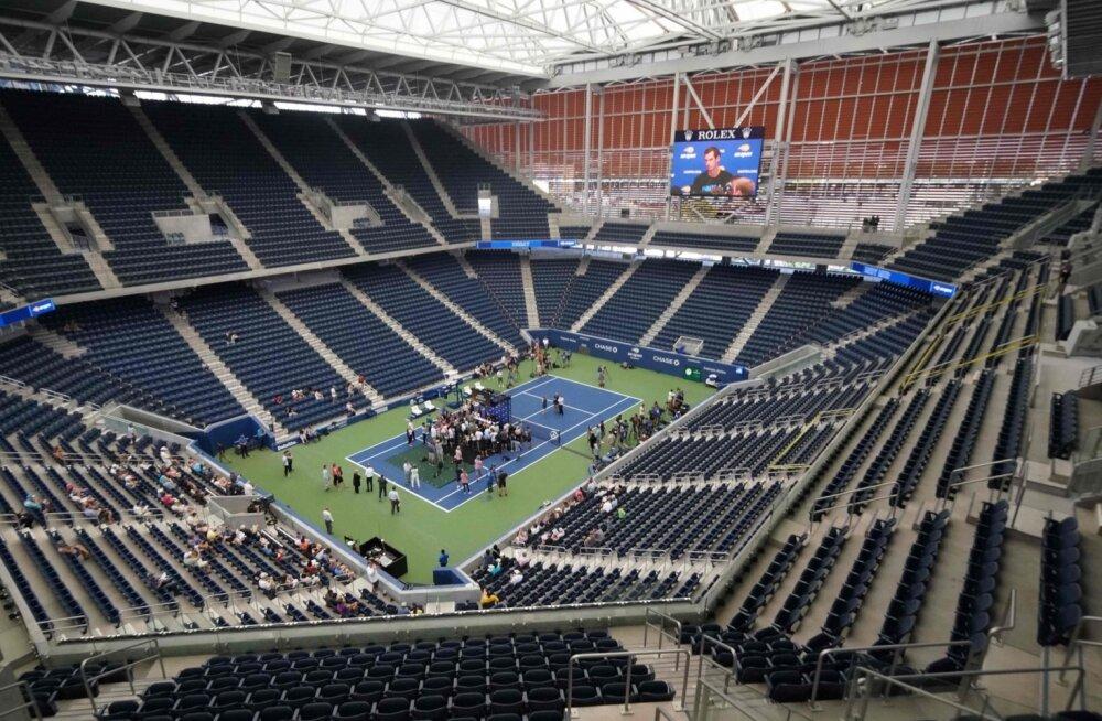 Värskelt valminud Louis Armstrong Stadium täies hiilguses