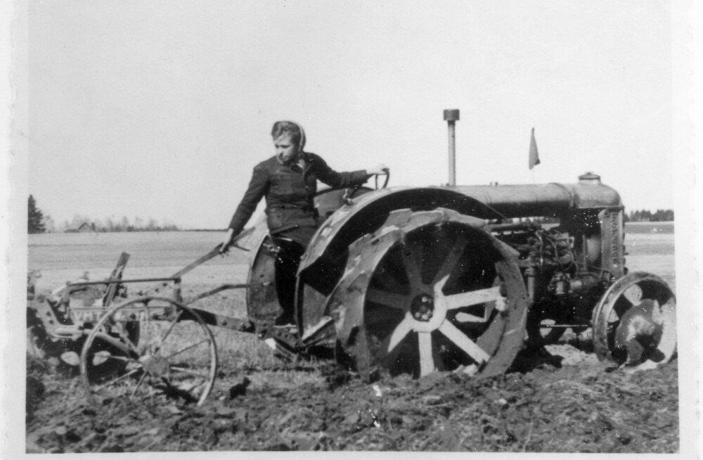 Elmine Otsmanni esimesed vaod traktoriga