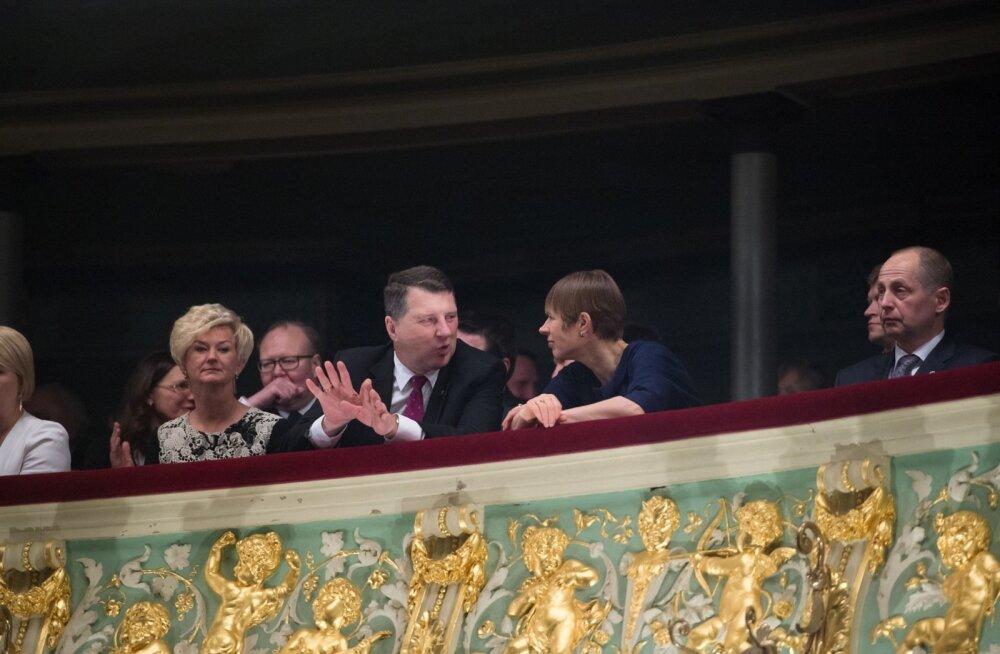"""""""Krati"""" etendust vaatasid koos Eesti ja Läti presidendipaarid."""