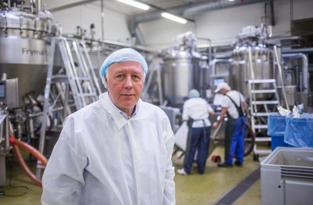 Veljo Ipits ütleb, et Salvest on tootmise automatiseerimise ja digitaliseerimise osas Eestis esirinnas, kuid kõike ei oska masinad siiski teha, näiteks kurki purki panna.