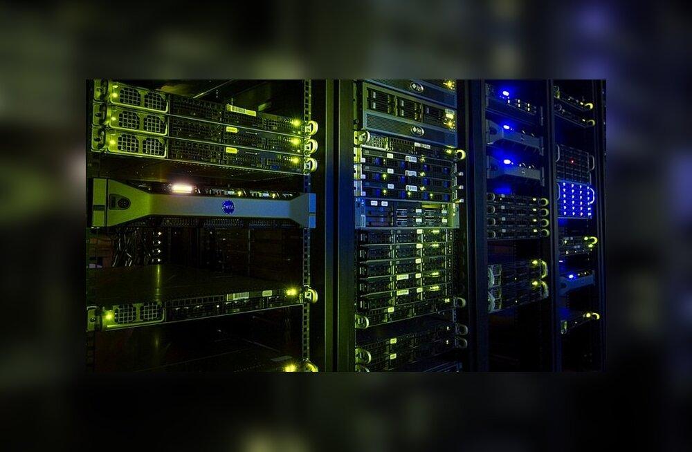 Nõrkuseks valgusdiood ehk kuidas häkkida arvutisse, mis pole võrguühenduses