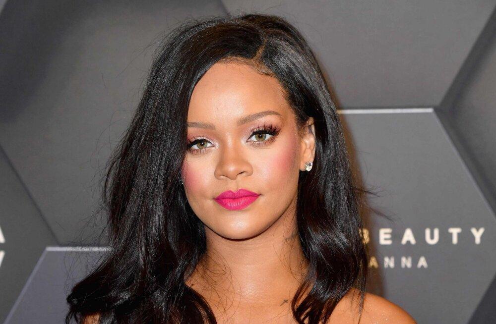 KUUM KLÕPS | Rihanna on jätnud muusika tahaplaanile ja poseeris pesumodellina