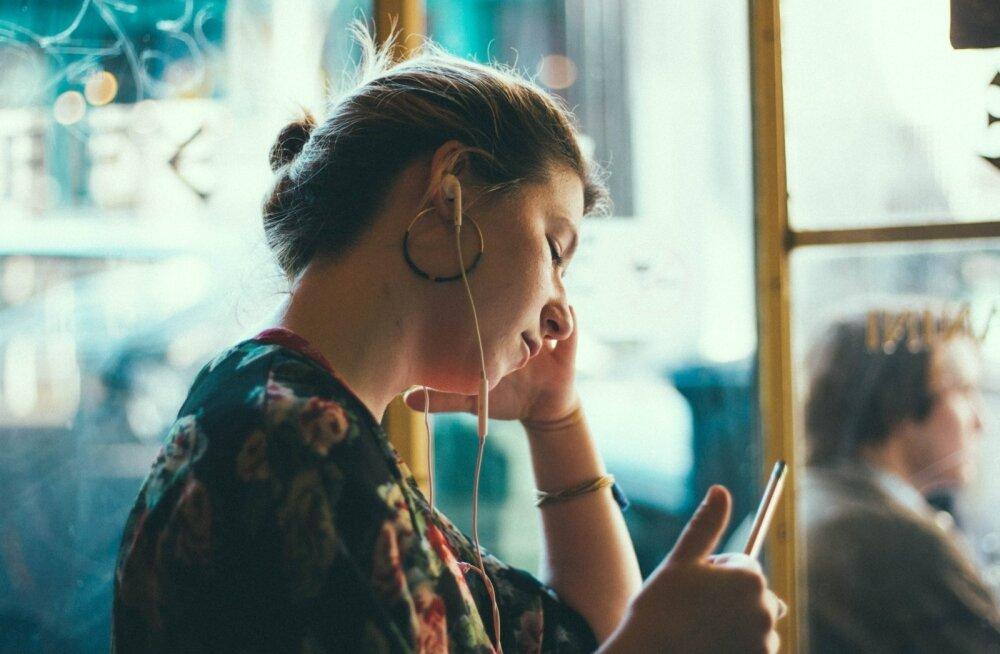 Täiskasvanud, kes kannatavad ADHD all, võivad pidada telefonikõnesid ja e-kirju väga häirivateks.